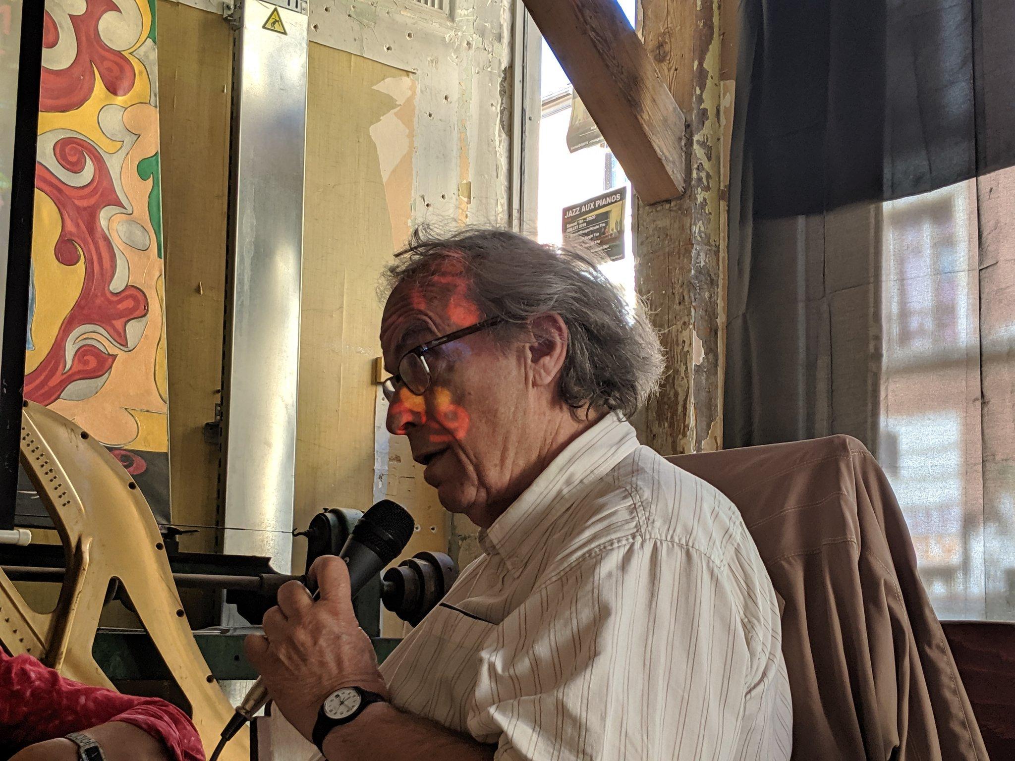 Michel Launey - professeur honoraire de linguistique à l'Université Denis - Diderot Paris 7